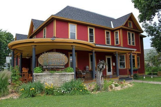 Turning Waters Bed, Breakfast and Adventure : Gorgeous Historic B&B
