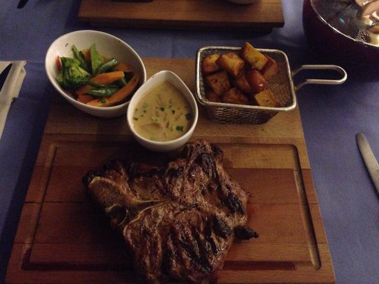 Stella Restaurant & Bar : T-bone steak