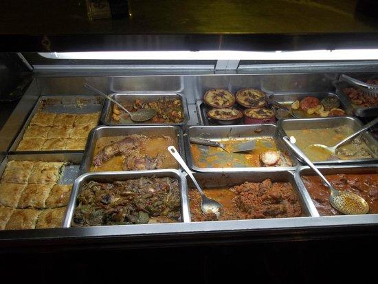 Taverna Faros stou Chiou: das Buffet