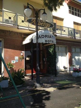 Hotel Adriatico : Esterno