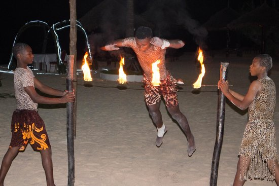 DoubleTree by Hilton Resort Zanzibar - Nungwi: Entertainment after dinner