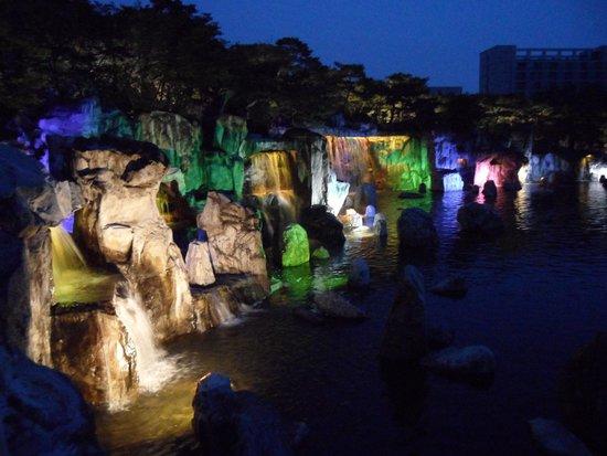 Hangang-Park: Lights waterfalls