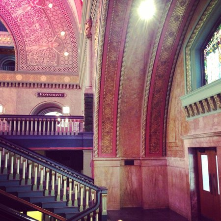 St. Louis Union Station Hotel, Curio Collection by Hilton: Amazing & Beautiful...!