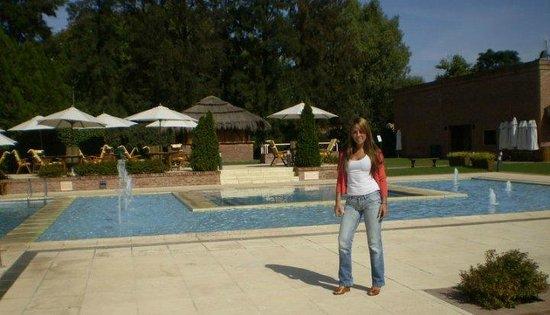 Pilar, Arjantin: Piscina exterior