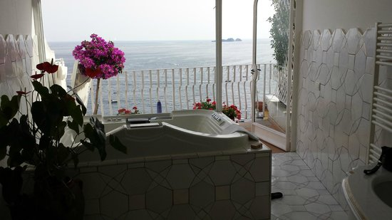 Hotel Maricanto : jacuzzi tub