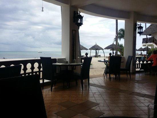 DoubleTree by Hilton Resort Zanzibar - Nungwi: View from the dining area