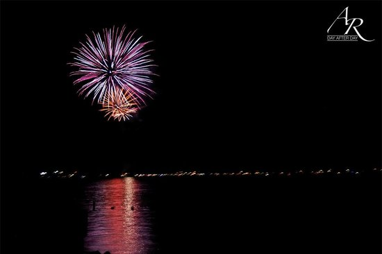 Ponderosa State Park: 4th of July fireworks, great view from beach
