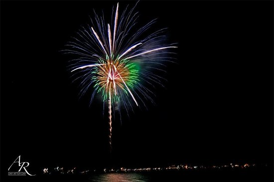 Ponderosa State Park: 4th of July Fireworks-View from the beach
