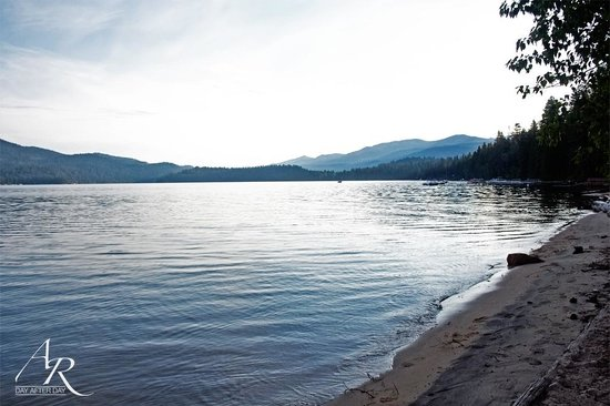 Ponderosa State Park: Early morning view of lake (7am)