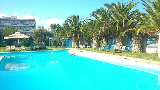 Skala Oropou, Hellas: The pool!!!