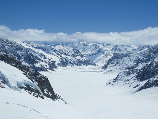 Jungfraujoch: the glacier