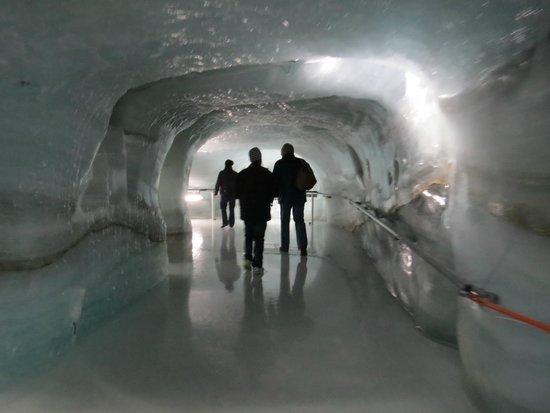 Jungfraujoch: the ice palace