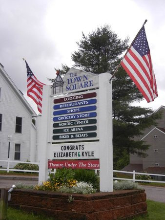 Town Square Condominiums at Waterville Valley Resort : Welcome sign