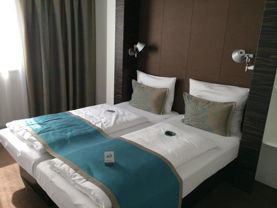 Motel One Hamburg - Altona : Familie værelse