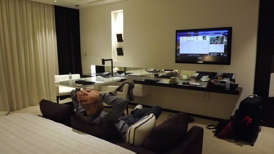 Le Meridien Dubai Hotel & Conference Centre: vu du lit
