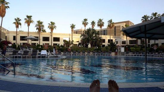 Le Meridien Dubai Hotel & Conference Centre: une des 5 piscines