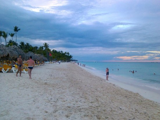 Iberostar Dominicana Hotel : playa al atardecer