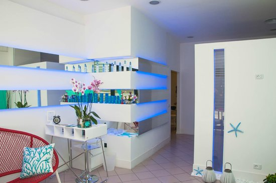 Wellness Aquarium Fish Spa and Beauty