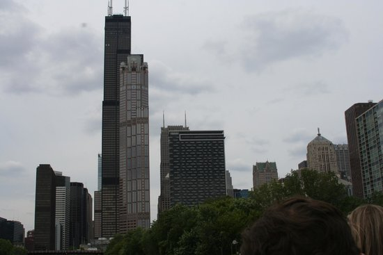 Chicago's First Lady Cruises: Sears Tower, i mean Willis Tower behind...