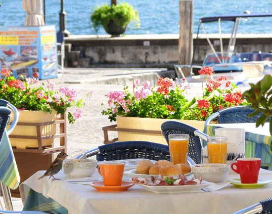 Hotel Garni Sole: Breakfast on the terrace