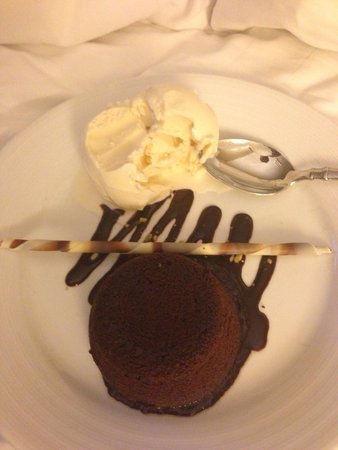 Denver Marriott City Center: Chocolate lava cake