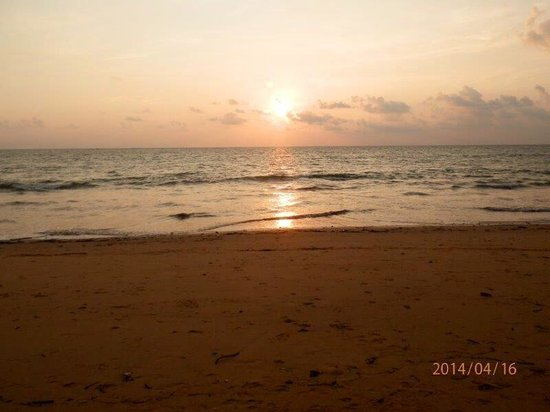 Khaolak Merlin Resort: un coucher de soleil vu des jardins