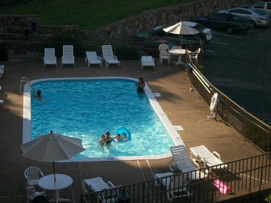 Lodge of  Four Seasons: pool