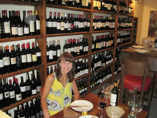 La Brasserie Bordelaise: Some of the wine on offer!