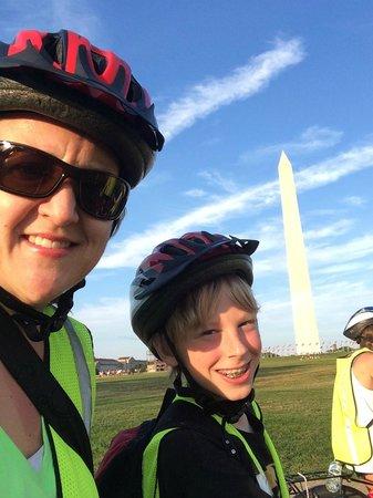 Capital City Bike Tours: Washington Monument stop