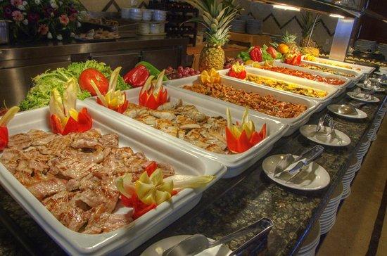 Hotel Puertobahía & Spa: Buffet
