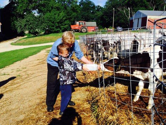 Thunder Valley Inn: Miss Anita teaching all good things