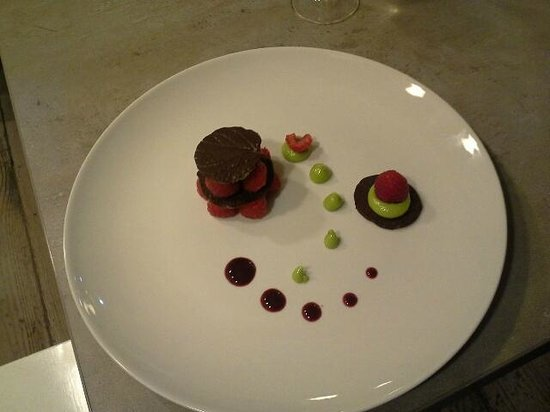 Chez Marie: Millefeuilles chocolat avocat framboise