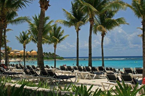 Barcelo Maya Tropical: Beach Seating Tropical