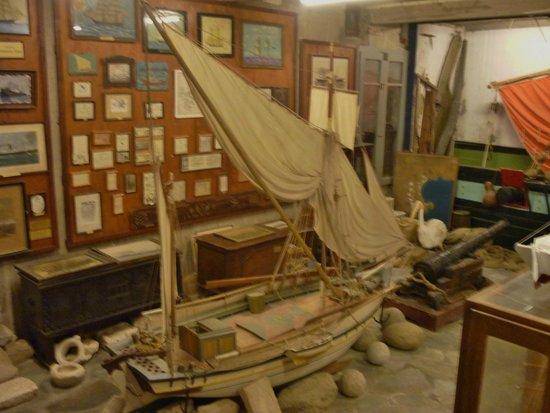 Sundial - Bild von Aegean Maritime Museum, Mykonos-Stadt ...