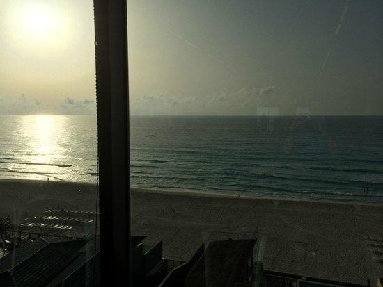 Secrets The Vine Cancun : Gym view