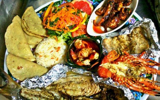 Nivel Mar Beach Club & Restaurant: Seafood Platter