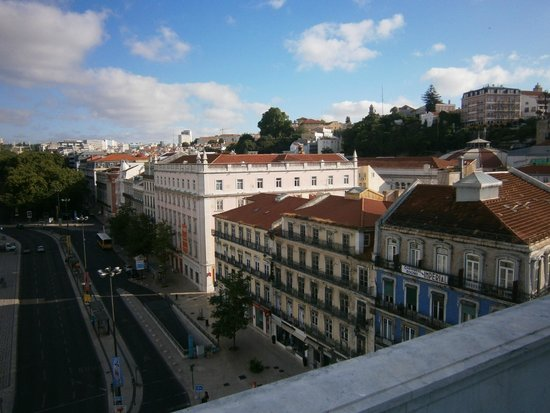 Altis Avenida Hotel : View toward Tagus River and Bairro Alto from hotel restaurant patio