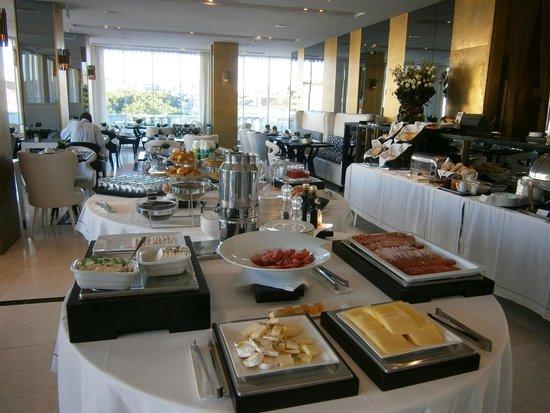 Altis Avenida Hotel: Hotel's breakfast buffet