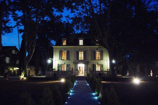 Hostellerie les Frênes : vue nocturne