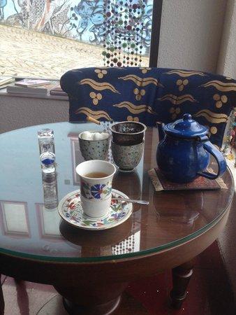 Efendi Tea & Coffee House: tea mixed with dried peppermint, green tea and fresh mint