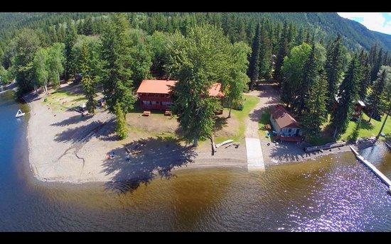 Canim Lake, Canada: Ponderosa Resort Condos and Camping
