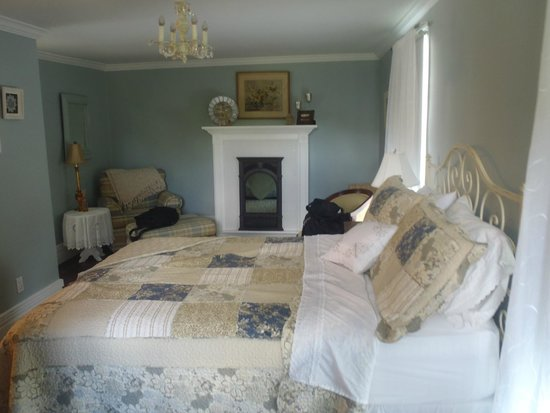 Daisy Hill Bed and Breakfast: queen