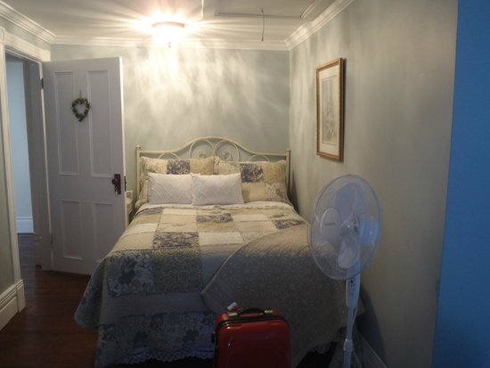 Daisy Hill Bed and Breakfast: double