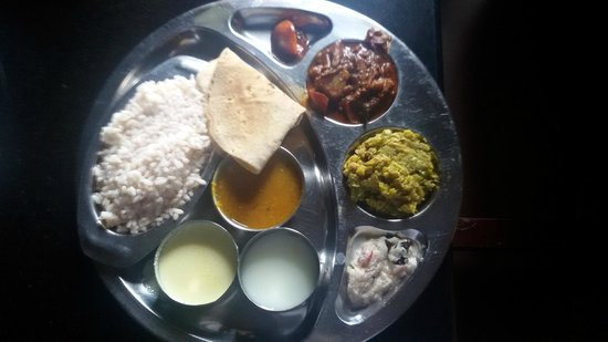 Krishnendu Ayurveda Hospital Chingoli: delicious clean kerela thali for lunch