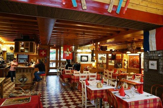 Hotel Arbez Franco-Suisse: Brasserie
