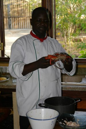 Kitu Kidogo Cottages : Our chef