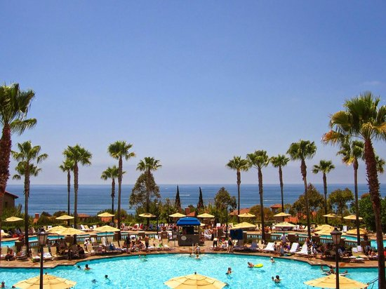 Marriott's Newport Coast Villas: View from the pool is fantastic!