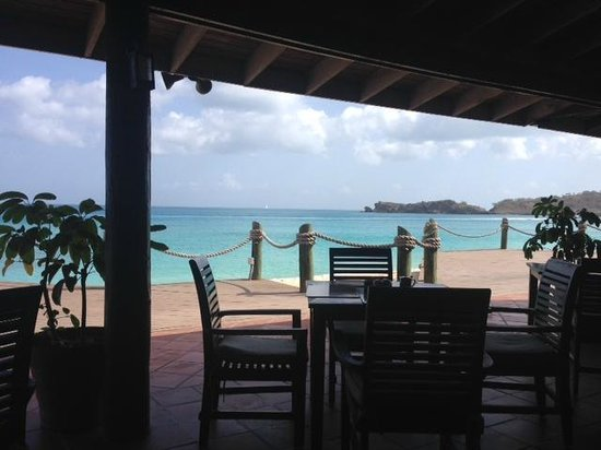 Galley Bay Resort: Patio dining!