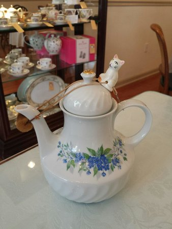 Miss Minerva's Tea Room and Gift Shop