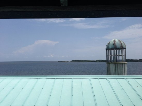 Cedar Key Harbour Master Suites : View from wrap around deck